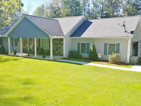 4 bed 3 bath Single Family at 15 Woodbine Dr Waymart, PA, 18472 is for sale at 300k - 1 of 33