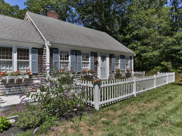 3 bed 2 bath Single Family at 578 Bumps River Rd Osterville, MA, 02655 is for sale at 429k - 1 of 34