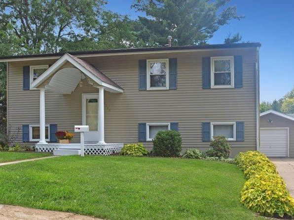 4 bed 2 bath Single Family at 1225 Hillcrest Ln Freeport, IL, 61032 is for sale at 85k - 1 of 21