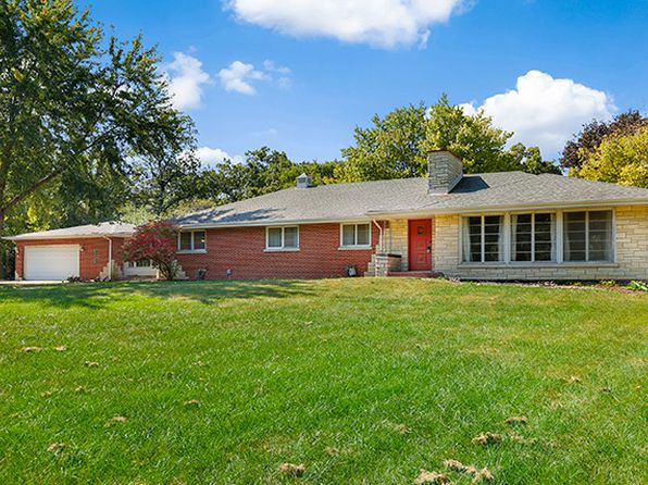 4 bed 4 bath Single Family at 140 N Rainbow Rd North Barrington, IL, 60010 is for sale at 325k - 1 of 34