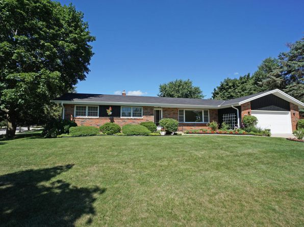 3 bed 3 bath Single Family at 2512 Minot Ln Waukesha, WI, 53188 is for sale at 230k - 1 of 17