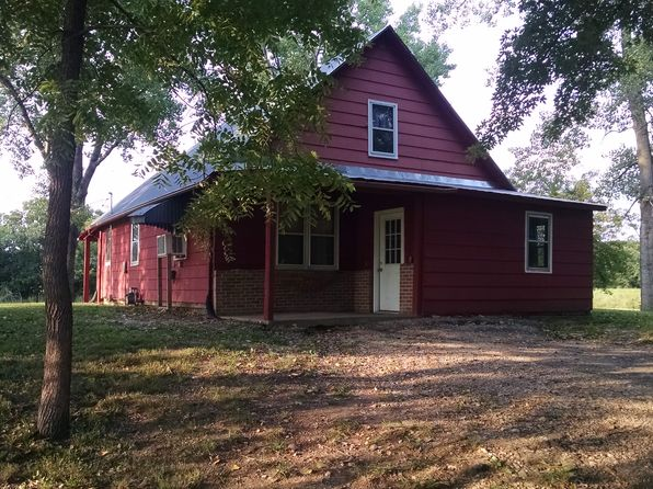 2 bed 1 bath Single Family at 113 W Hickory St Louisville, KS, 66547 is for sale at 66k - 1 of 13