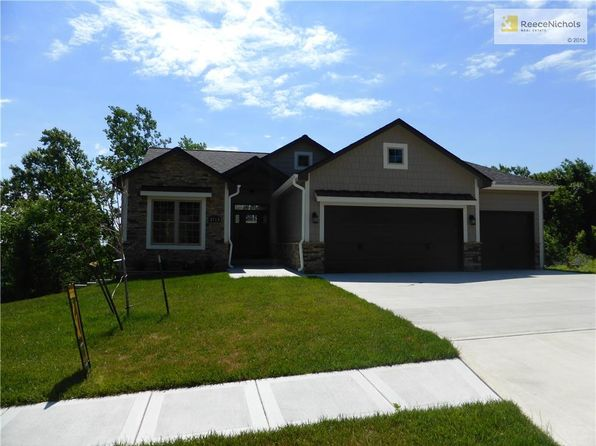 4 bed 3 bath Single Family at 2513 SW MITCHELL ST OAK GROVE, MO, 64075 is for sale at 325k - 1 of 21