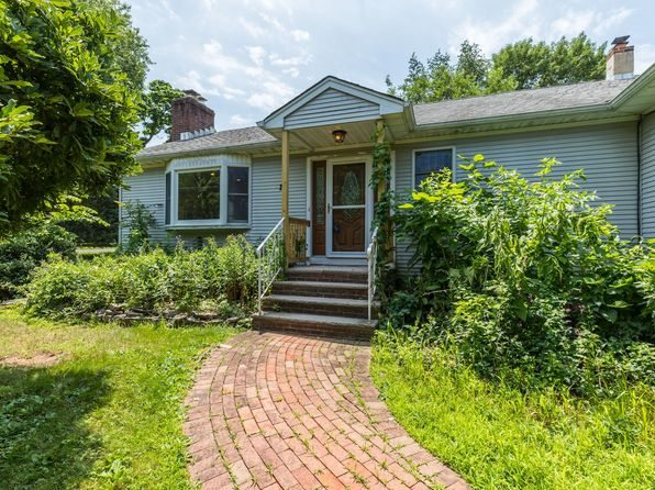 3 bed 2 bath Single Family at 20 1st St Somerset, NJ, 08873 is for sale at 350k - 1 of 30