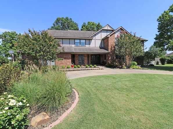 4 bed 4 bath Single Family at 3200 Camelot Dr Bartlesville, OK, 74006 is for sale at 319k - 1 of 36