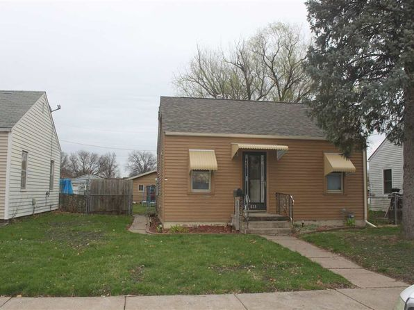 2 bed 1 bath Single Family at 639 S Elsie Ave Davenport, IA, 52802 is for sale at 70k - 1 of 12