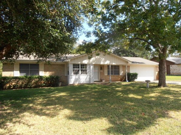 3 bed 2 bath Single Family at 326 Chestnut Dr Palestine, TX, 75803 is for sale at 105k - 1 of 21