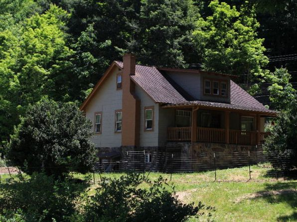 3 bed 1 bath Single Family at 3158 Hilltop Dr Princeton, WV, 24739 is for sale at 40k - 1 of 13