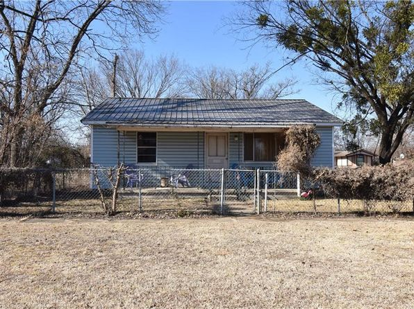 2 bed 2 bath Single Family at 401 S Main St Sallisaw, OK, 74955 is for sale at 64k - 1 of 15