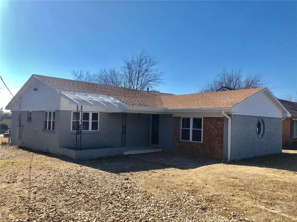 3 bed 2 bath Single Family at 375 W 2nd St Rhome, TX, 76078 is for sale at 167k - 1 of 14