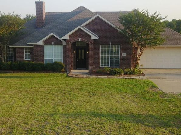 4 bed 3 bath Single Family at 909 N Munson Rd Royse City, TX, 75189 is for sale at 300k - 1 of 20
