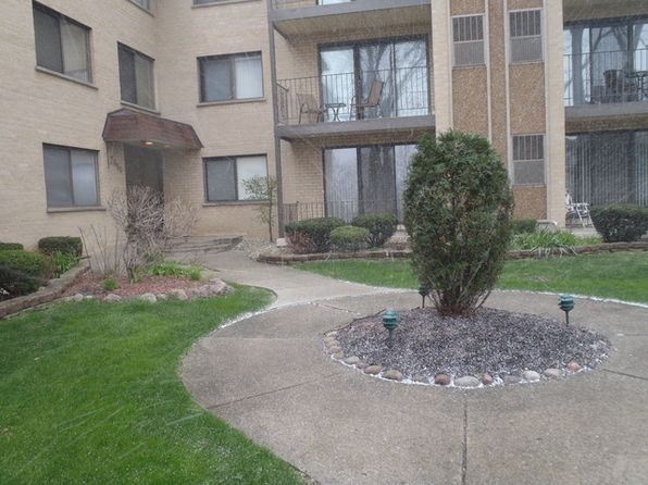 2 bed 2 bath Condo at 7650 W Lawrence Ave Norridge, IL, 60706 is for sale at 152k - 1 of 17
