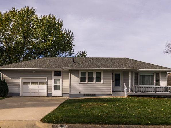 2 bed 2 bath Single Family at 1641 Ruann Dr Dubuque, IA, 52001 is for sale at 125k - 1 of 15