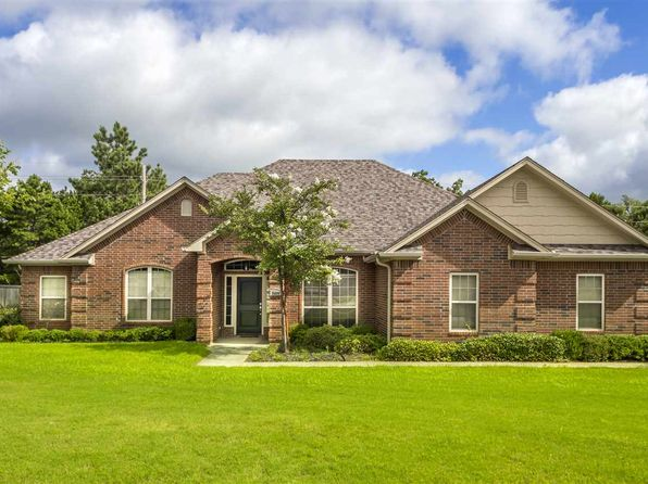 4 bed 3 bath Single Family at 3409 Cedar Ln Kilgore, TX, 75662 is for sale at 265k - 1 of 25