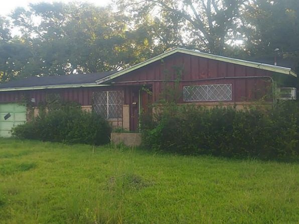 3 bed 2 bath Single Family at 4135 Lou St Beaumont, TX, 77705 is for sale at 55k - 1 of 6