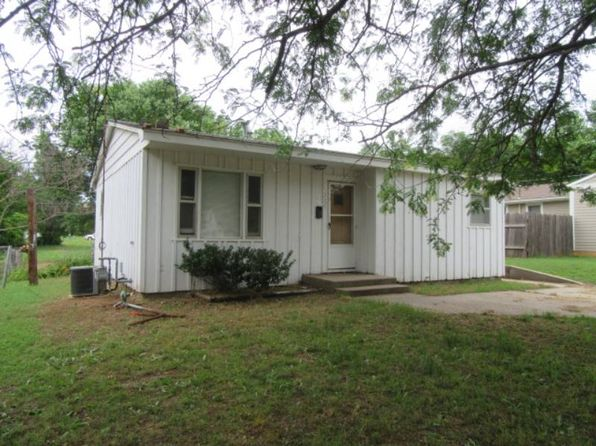2 bed 1 bath Single Family at 226 W H Ave Kingman, KS, 67068 is for sale at 35k - 1 of 18