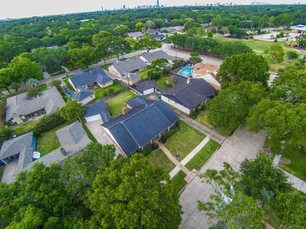 4 bed 3 bath Single Family at 5710 Ariel St Houston, TX, 77096 is for sale at 420k - 1 of 32
