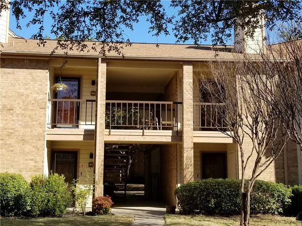 2 bed 2 bath Condo at 16301 Ledgemont Ln Addison, TX, 75001 is for sale at 160k - 1 of 11