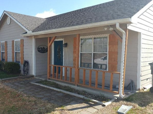 2 bed 2 bath Single Family at 921 Vz County Road 3609 Edgewood, TX, 75117 is for sale at 143k - 1 of 18