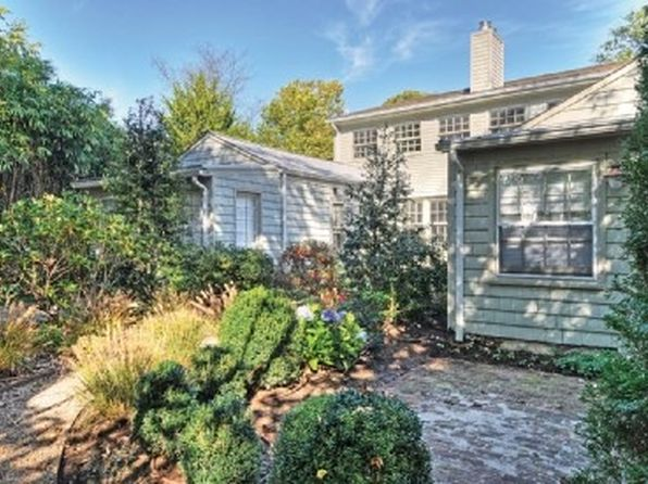 6 bed 3 bath Single Family at 90 Madison St Sag Harbor, NY, 11963 is for sale at 1.70m - 1 of 10