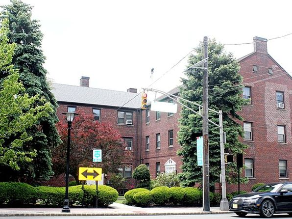 1 bed 1 bath Condo at 418 Main St Fort Lee, NJ, 07024 is for sale at 200k - 1 of 20