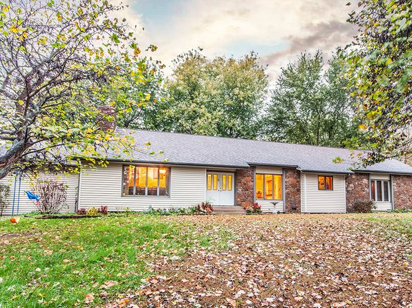 4 bed 3 bath Single Family at 1431 S Briar Ave Springfield, MO, 65809 is for sale at 225k - 1 of 22