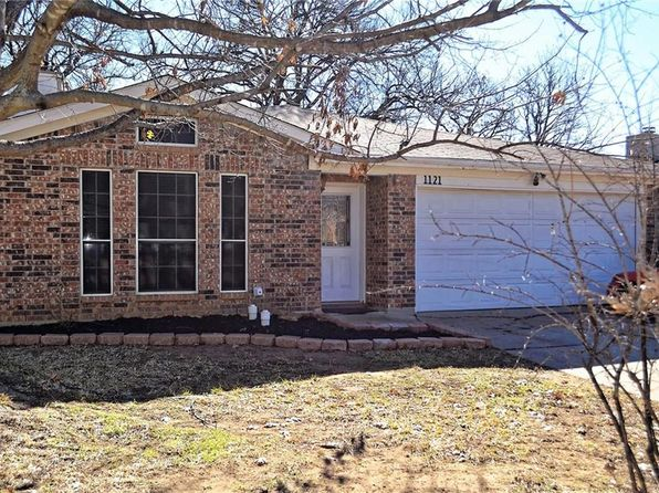 3 bed 2 bath Single Family at 1121 Stone Creek Dr Mansfield, TX, 76063 is for sale at 150k - 1 of 12