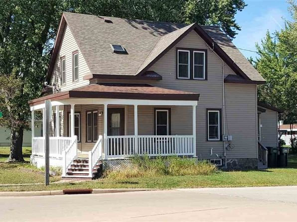 3 bed 2 bath Single Family at 506 W Bannerman Ave Redgranite, WI, 54970 is for sale at 69k - 1 of 21