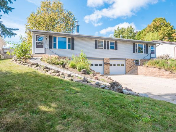 2 bed 1 bath Multi Family at 1920 Woodlawn Ave West Bend, WI, 53090 is for sale at 190k - 1 of 16