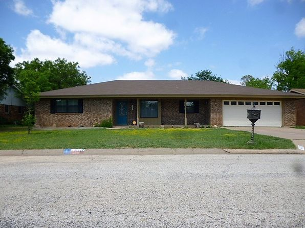 3 bed 2 bath Single Family at 4019 IRVING AVE SNYDER, TX, 79549 is for sale at 180k - 1 of 13