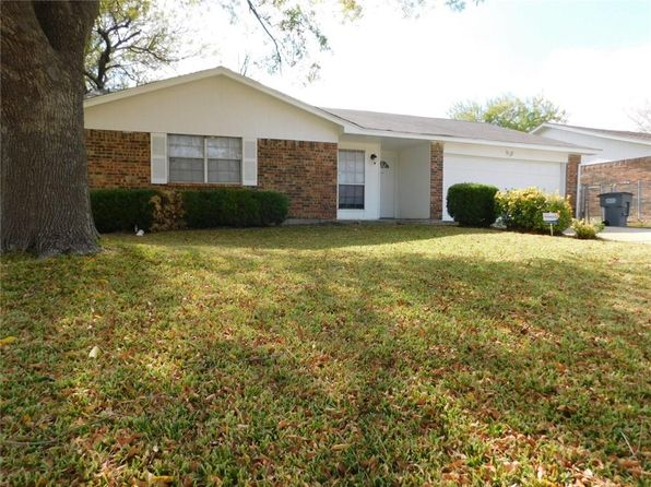3 bed 2 bath Single Family at 932 S Pepperidge Dr Lancaster, TX, 75134 is for sale at 146k - 1 of 14