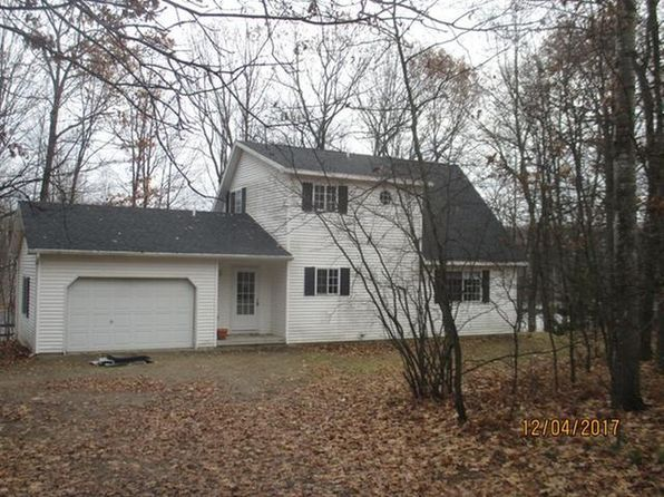 2 bed 2 bath Single Family at 4721 Teaberry Ln Farwell, MI, 48622 is for sale at 113k - 1 of 11