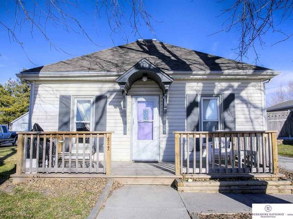2 bed 2 bath Single Family at 414 E GARDINER ST VALLEY, NE, 68064 is for sale at 100k - 1 of 27
