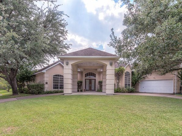 3 bed 3 bath Single Family at 18 Prospect Pl Bellaire, TX, 77401 is for sale at 685k - 1 of 25