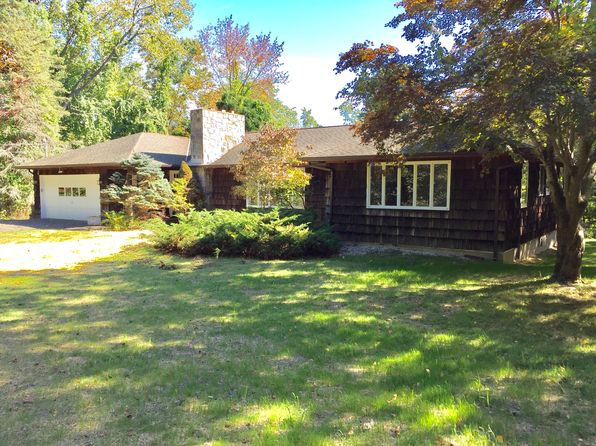 3 bed 3 bath Single Family at 21 Scofield Rd Pound Ridge, NY, 10576 is for sale at 529k - 1 of 10