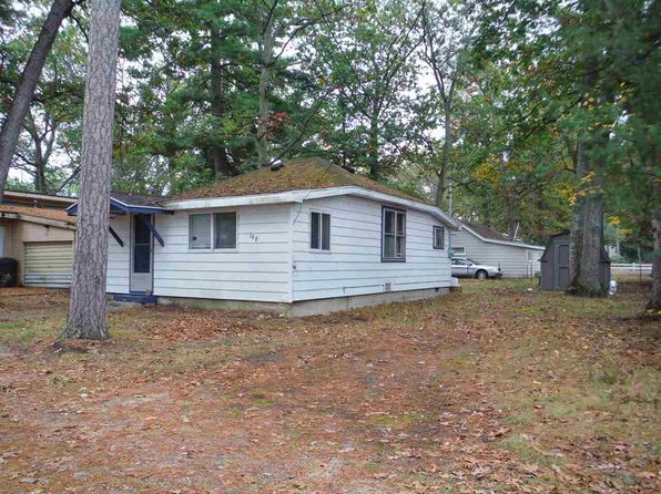 1 bed 1 bath Single Family at 108 Pine Houghton Lake, MI, 48629 is for sale at 20k - 1 of 11