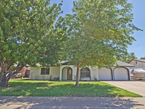 3 bed 2 bath Single Family at 8049 N 55th Dr Glendale, AZ, 85302 is for sale at 210k - 1 of 23