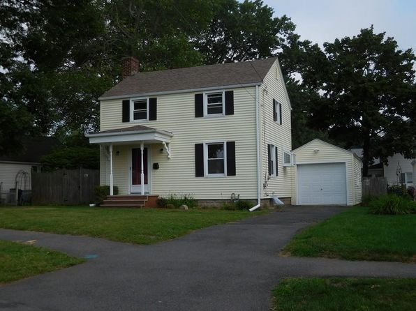 2 bed 1 bath Single Family at 179 Harwich Rd West Springfield, MA, 01089 is for sale at 170k - 1 of 12