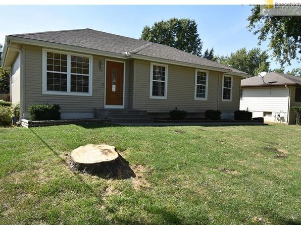 3 bed 2 bath Single Family at 1717 SE Abbey St Blue Springs, MO, 64014 is for sale at 150k - 1 of 18