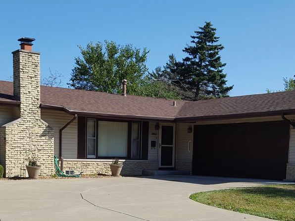 3 bed 2 bath Single Family at 15401 Arroyo Dr Oak Forest, IL, 60452 is for sale at 190k - 1 of 12