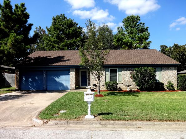3 bed 2 bath Single Family at 5407 Pineridge Dr Arlington, TX, 76016 is for sale at 185k - 1 of 9