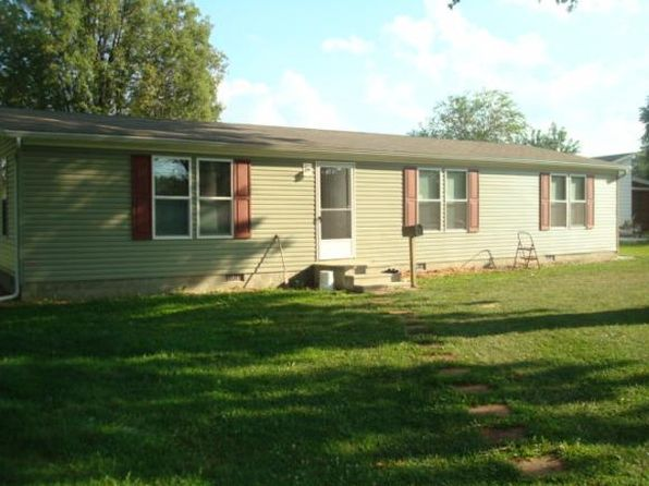 3 bed 2 bath Single Family at 1203 Maple St Marshall, IL, 62441 is for sale at 117k - 1 of 9