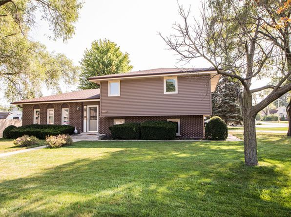 3 bed 2 bath Single Family at 10551 S 84th Ave Palos Hills, IL, 60465 is for sale at 249k - 1 of 19