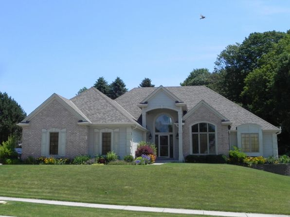 3 bed 3 bath Single Family at 1828 Blackfoot Ct Grafton, WI, 53024 is for sale at 413k - 1 of 25