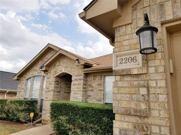3 bed 2 bath Single Family at 2206 Greensborough Ln Arlington, TX, 76001 is for sale at 225k - 1 of 26