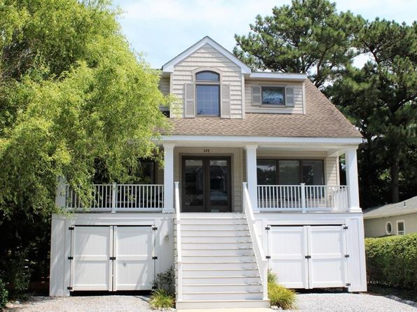 4 bed 4 bath Single Family at 638 Tingle Ave Bethany Beach, DE, 19930 is for sale at 699k - 1 of 27