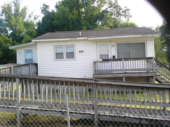 2 bed 1 bath Single Family at 1021 F St New Bern, NC, 28560 is for sale at 30k - 1 of 5