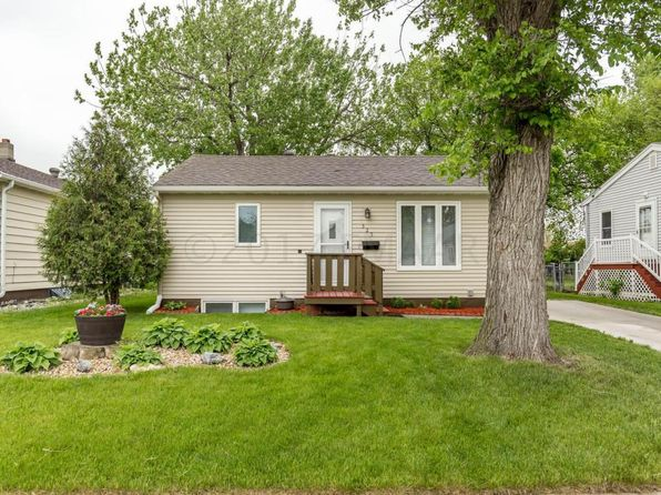 3 bed 2 bath Single Family at 325 20th St N Fargo, ND, 58102 is for sale at 165k - 1 of 38