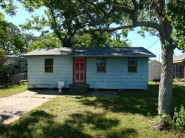 2 bed 1 bath Single Family at 217 Prairie St Van Vleck, TX, 77482 is for sale at 28k - 1 of 6