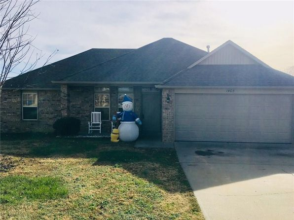 3 bed 2 bath Single Family at 1405 CHITWOOD ST PEA RIDGE, AR, 72751 is for sale at 135k - 1 of 18